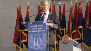 Meghalt Elie Wiesel, a holokauszt nagy tanúságtevője