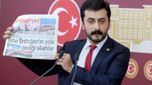 700 óra közmunkát kapott, mert megsértette Erdogant