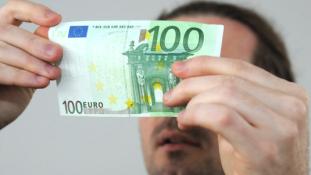 Hat és félmillió eurót hamisítottak Nápolyban