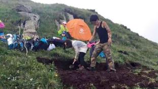 Felásták a nemzeti parkot a kínai turisták