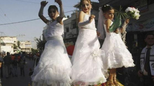 Sokk Egyiptomban: 12 éves fiú vett feleségül egy 10 éves lányt