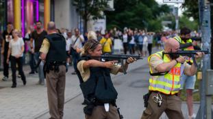 Magányos támadó volt a müncheni lövöldöző – kilencre nőtt a halottak száma