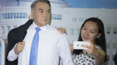 Túl sok puszit kapott Nazarbajev