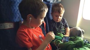 Az okostelefon butíthatja a gyerekeket