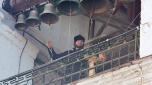 Elavult a harang? – Messenger az orosz papoknak és a híveknek