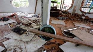 Buddhisták megint felgyújtottak egy mecsetet Mianmarban