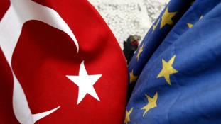 Mi lesz az EU-török migránsegyezménnyel a levert puccs után ?