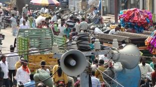 Bezárták a hangoskodó templomokat és mecseteket Lagosban