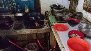Hihetetlenül mocskos a konyha az illegális kínai éttermekben