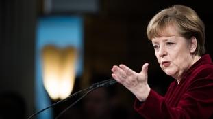 Merkel: együttműködik a szélsőjobb bizonyos orosz szervezetekkel