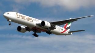 Kigyulladt egy Emirates-gép Dubajban leszálláskor