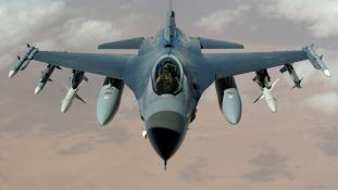 Amerikai F-16-osok mentek Koreába