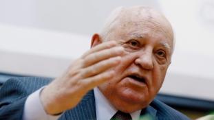 Gorbacsov: olyan az amerikai demokrácia, mint a tasakos kávé