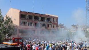 Újabb robbantás Törökországban – halottak, több mint 200 sebesült