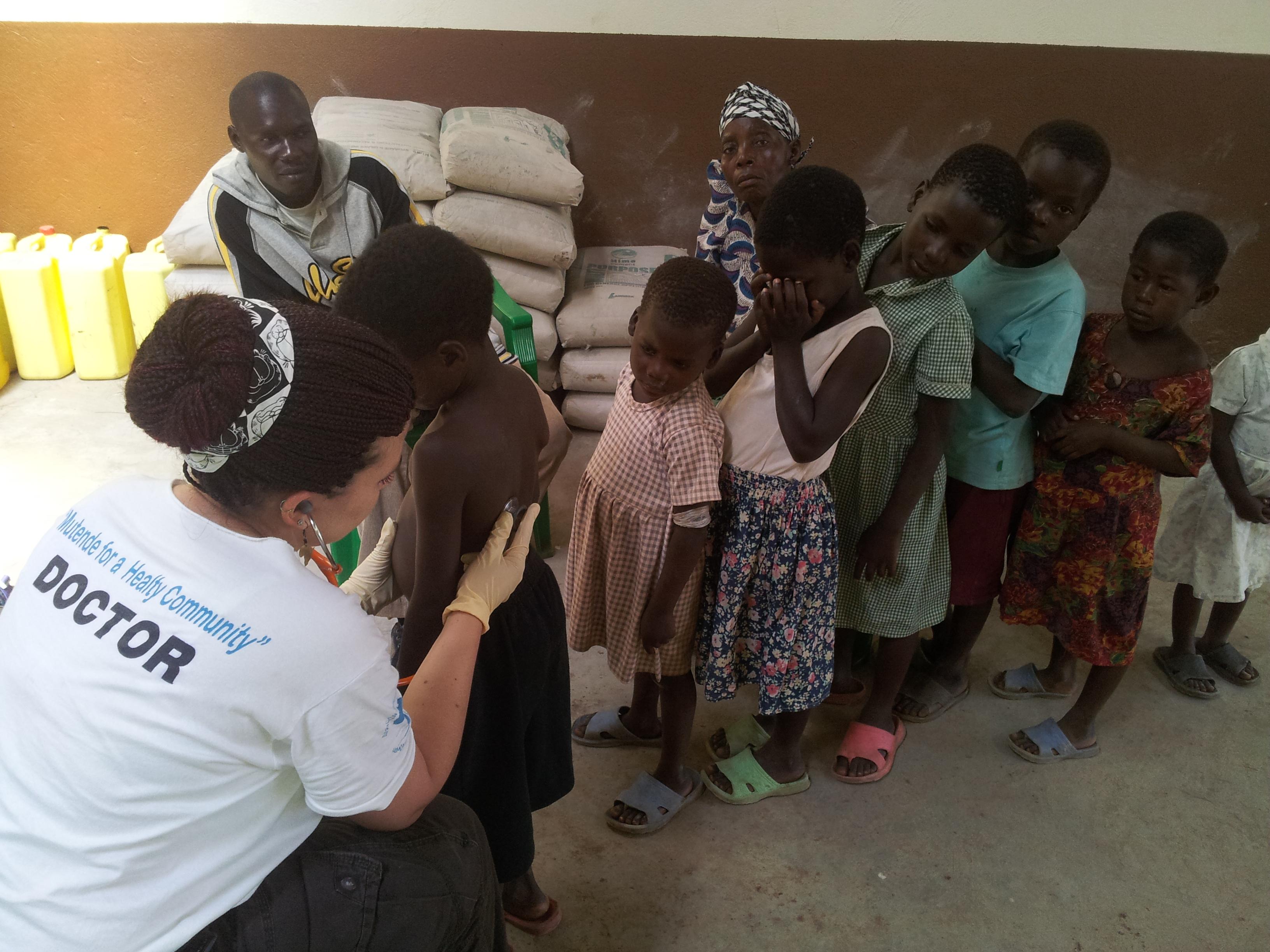 Ugandában gyógyít az egyik magyar orvosi misszió tagja, dr. Kiss Krisztina.