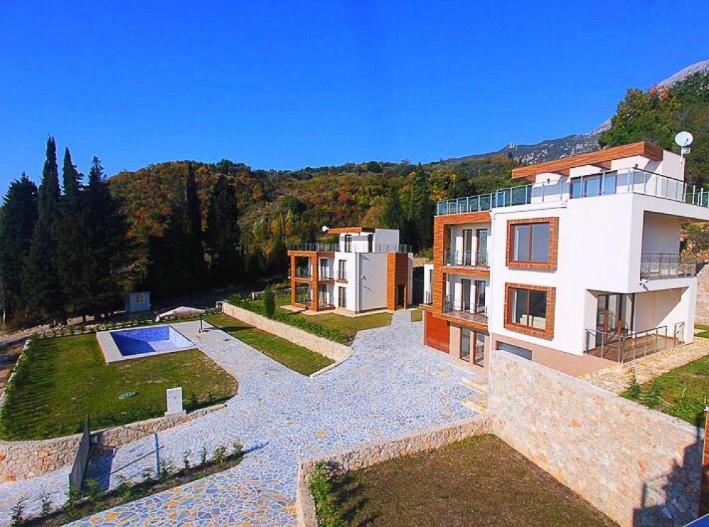 Bar, Montenegró — $305,190