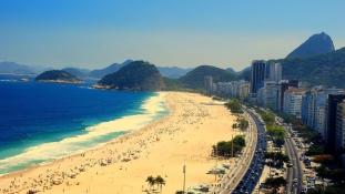 Bombariadó a Copacabanán az olimpiai megnyitó idején