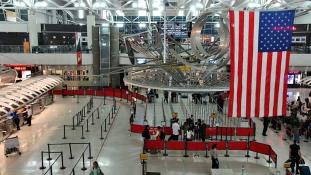Pánik a JFK reptéren
