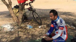 Bringán futott be egy kínai zarándok Szaúd-Arábiába