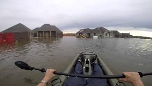 Három halottja van az árvíznek az USA déli részén – videó