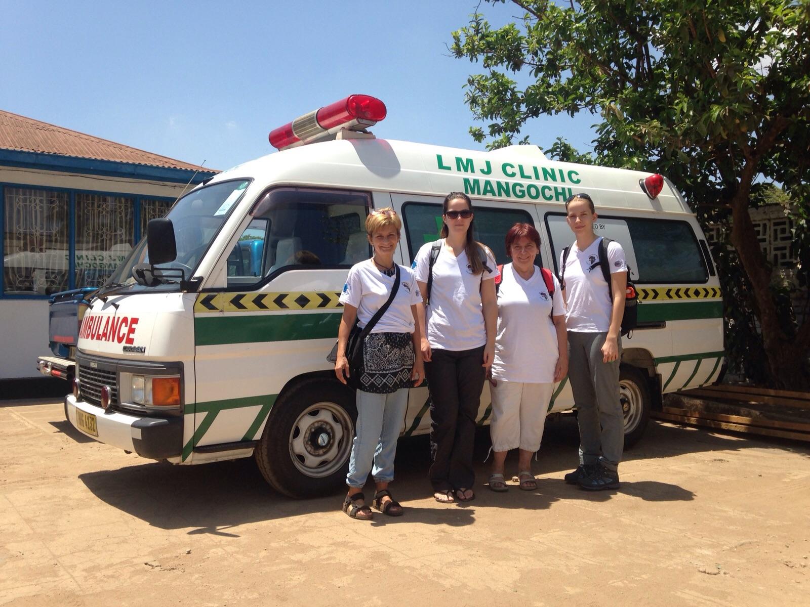Orzói Zsuzsa, dr. Pálinkás Edina, dr. Jakkel Anna és Horváth Dorka Malawiban.