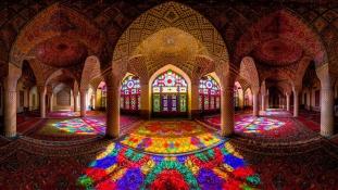 Mecset Sirázban, Iránban.