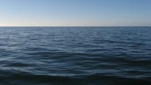 38 órán keresztül úszott a tengerben, mire megtalálták