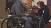 Miért kell 62 év házasság után szétválnia egy kanadai párnak?