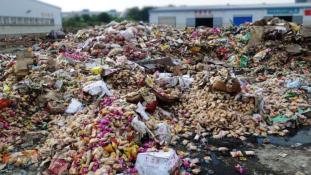 Az árvízzel átitatott élelmiszert is eladják Kínában
