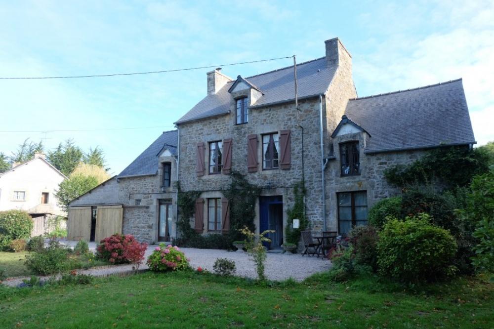 Brittany, Franciaország — $295,740