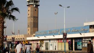 Szanaa nem fogad gépeket az arab bombázások miatt