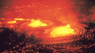 Vulkánkitörés Réunion szigetén – videó