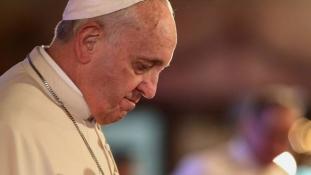 Ferenc pápa: Isten nevében ölni – sátáni tett!