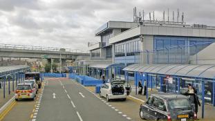 Polgárjogi aktivisták bénították meg az elit repteret