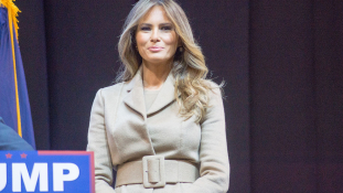 Kiderült, mekkora kártérítést követel Melania Trump a múltját ért vádakért