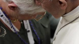 A nizzai áldozatok hozzátartozóit fogadta a pápa