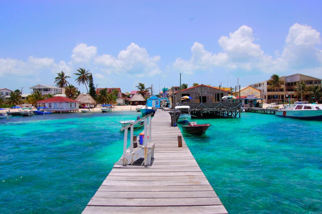 Ambergris Caye (Wikipedia)