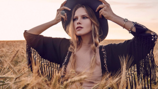 Dubajban árulta szüzességét az orosz szépség