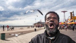 A társadalom perifériáján: fogolyból lett fotográfus