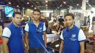 Afrikai fiatalok a budapesti robotika show-n