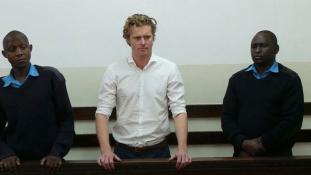 Életfogytiglan fenyegeti az arisztokrata brit aranyifjút 100 kiló kokó becsempészéséért