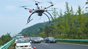 Drónok ellenőriznek az autópályán – Sokakat megbüntettek