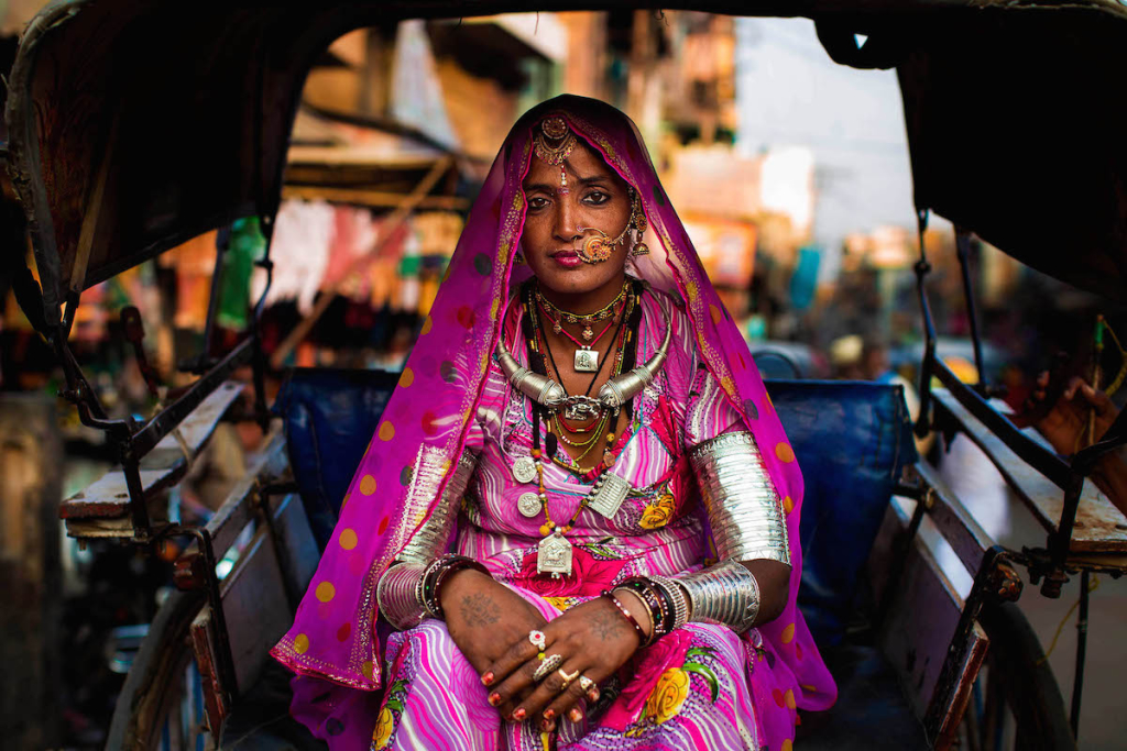 Radzsasztáni nő hagyományos viseletben
