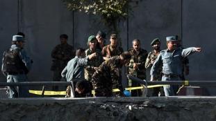 Túszejtés és öngyilkos merényletsorozat Kabulban