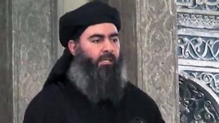A közel-keleti média szerint megmérgezték a kalifát