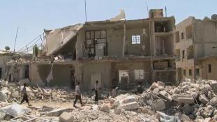 Egy család 14 tagjával végzett légicsapás Aleppóban