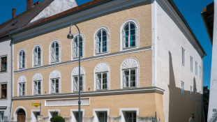 Lerombolják Adolf Hitler szülőházát