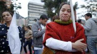 Meglepetés Kolumbiában: a népszavazás elvetette a félévszázados háborúskodásnak véget vető békeegyezményt