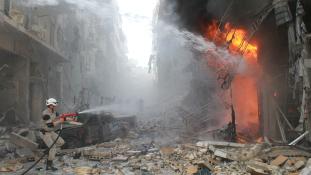 Kevesebb légicsapást indít Aleppóban a szíriai hadsereg