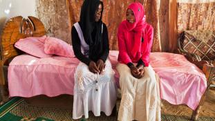 Borzalom: minden hetedik másodpercben férjhez megy egy kislány